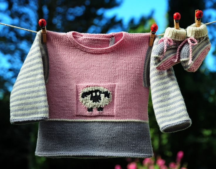 layette ensemble mérinos 3 mois rose et gris neuf tricoté main brassière et chaussons : Mode Bébé par com3pom