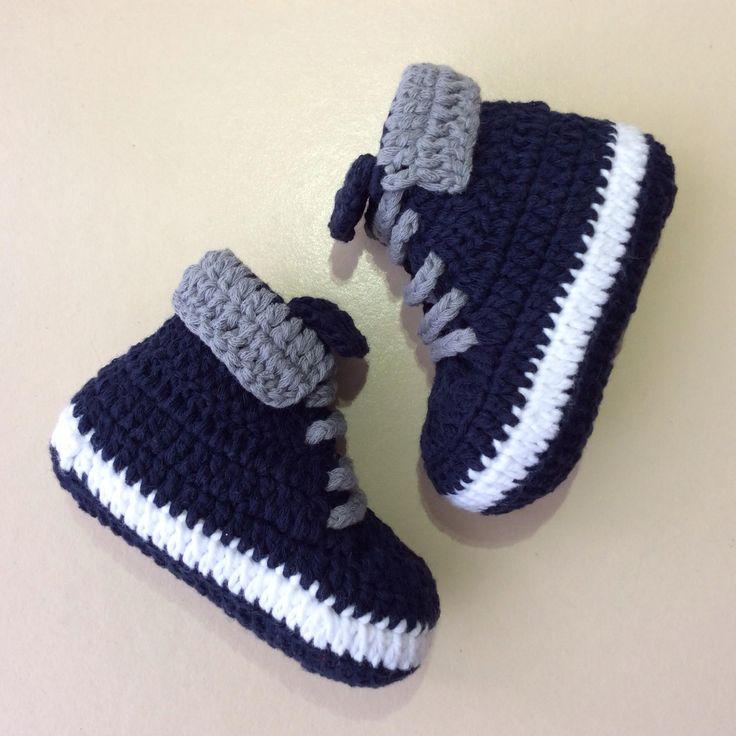 %100 pamuk ip ile örülmüş mevsimlik bebek patikleri. Patik ölçüleri: 0-3 aylık için ayak taban uzunluğu 10 cm 4-8 aylık için ayak taban uzunluğu 11 cm 9-12 aylık için ayak taban uzunluğu 12 cm Lütfen alış işleminden sonra kaç aylık için istediğinizi mesaj olarak belirtiniz.Belirtilmemesi durumunda 4-8 aylık için gönderilir.