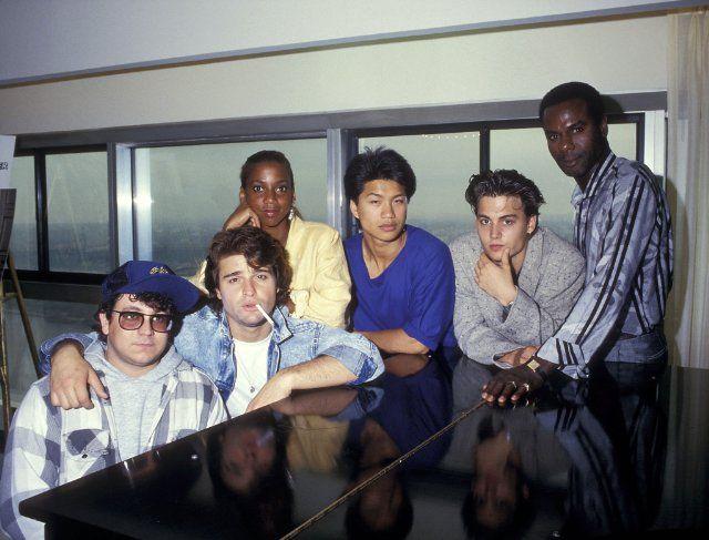 Still of Johnny Depp, Holly Robinson Peete, Peter DeLuise, Sal Jenco, Dustin Nguyen and Steven Williams in 21 Jump Street