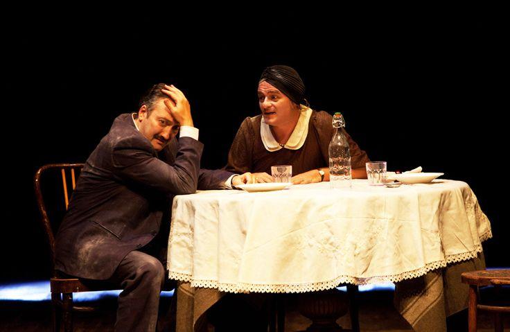 """Dolore sotto chiave"" - Tony Laudadio (Rocco Capasso) e Luciano Saltarelli (Lucia Capasso) - #Eduardo #trentennaleEduardo"