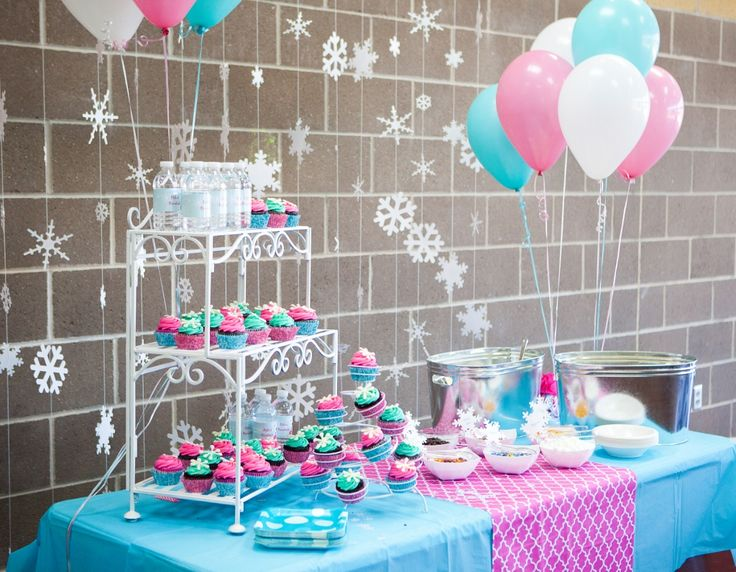 Swimsuits and Snowballs Birthday Party - love this take on a Winter Wonderland party!Winter Parties, Bday, Birthday Parties, Combined Birthday Party Themes, Pink Winter Birthday, Girls 4Th Birthday Party Ideas, Girl 1St Birthday Winter, Parties Theme, Parties Decor