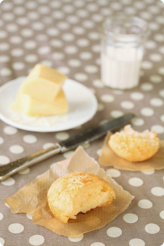 Pão de queijo de tapioca. | 15 receitas que vão te fazer querer que todas as refeições sejam o café da manhã