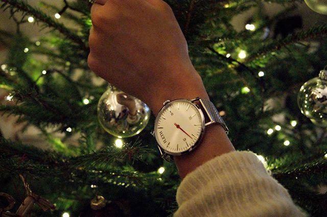 Sista advent! Rea på storsäljaren  UNKNOWN - Silver, mesh 200kr rabatt  #ALeth #UNKNOWN  Lethwatches.com