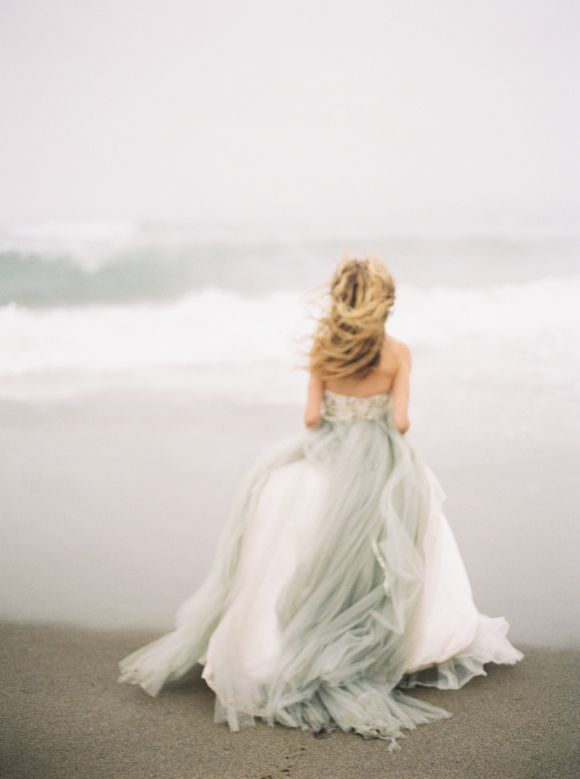 "Elizabeth Dye ""Halo"" gown Grey wedding dress inspiration : Wedding Sparrow Greer Gattuso Photography"