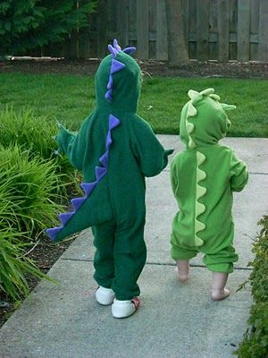 Nieces and nephews beware... ;)  These dragon costumes on Crafty in Coffeeland are too cute!
