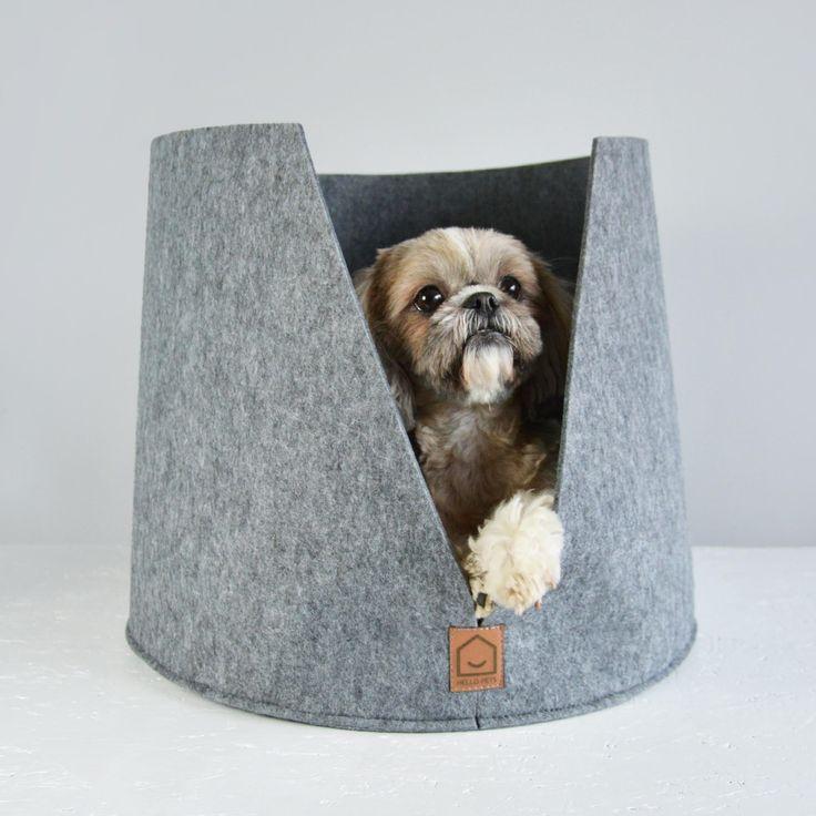 Hvem vil vel ikke slappe av i denne nydelige sengen fra HELLO PETS?  Sengen er håndlaget og er selvfølgelig miljøvennlig.   Du finner den hos oss på www.romeojulie.no