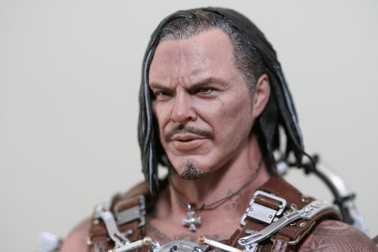 REVIEW: Hot Toys' Whiplash – Plastic and Plush