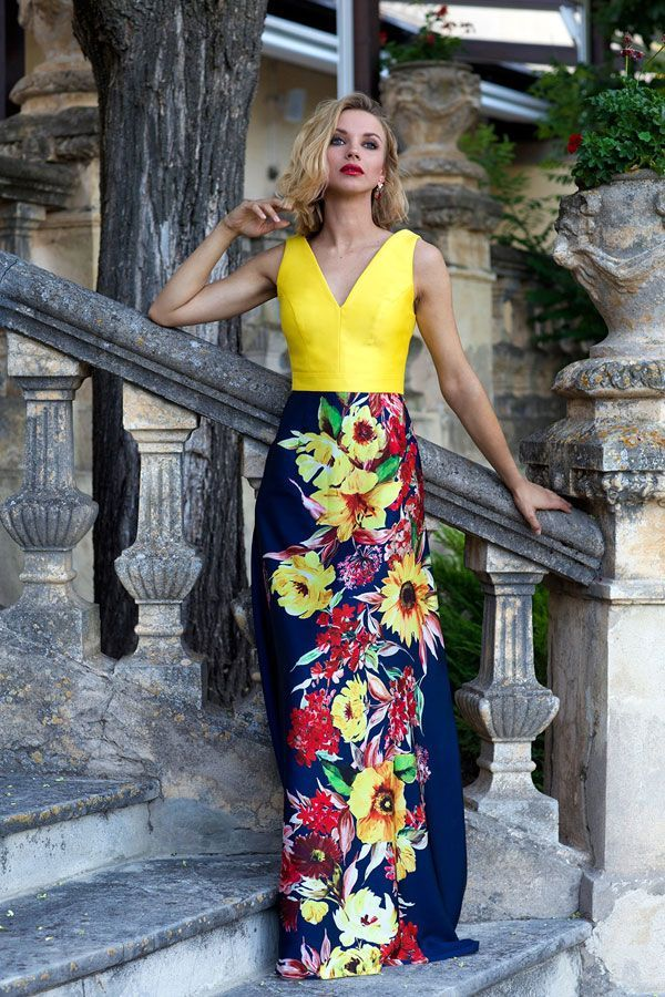 Vestido amarillo y seda estampada de Silvia Navarro (289 euros).
