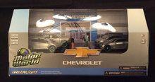 Greenlight 1:64 Motor World Multi-Car Dioramas Chevy Dealership GREEN MACHINE