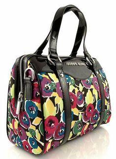 http://zebra-buty.pl/model/4562-torebka-armani-jeans-aj-v5276-2041-466