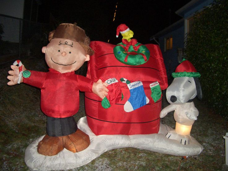 Snoopy Charlie Brown Peanuts Christmas Inflatable By
