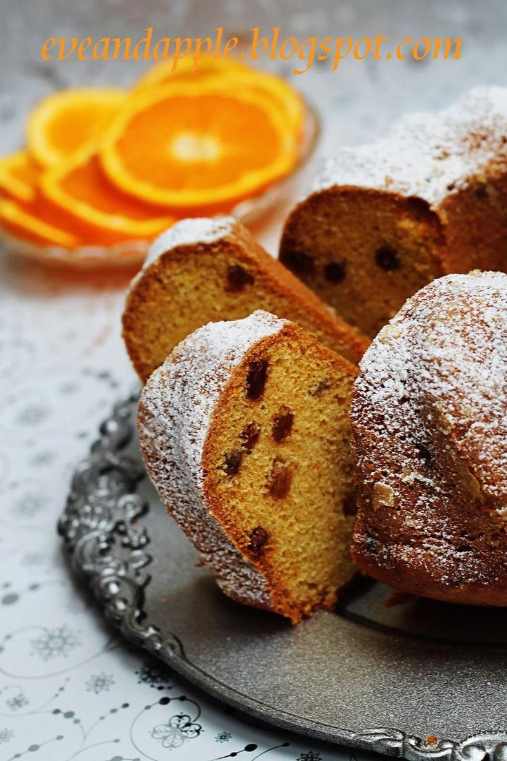 KUGLÓF (citromos/narancsos) - 350 g liszt, 50 g étkezési keményítő, 1 sütőpor, 200 g porcukor, 1 vaníliás cukor, 250 g vaj, 5 tojás, 1 citorm vagy narancs reszelt héja és leve, 100 g mazsola vagy más aszalt vagy kandírozott gyümölcs Amarettóba vagy rumba áztatva. Kakaóval vagy fahéjjal is készíthető.
