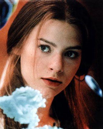 Claire Danes as Nefret (from http://www.angelfire.com/tx/JetVega/ameliacast.html)