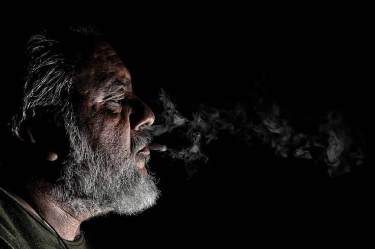 http://www.canonclubitalia.com/public/forum/Smoking-Class-Hero-image69472.html  Se vi piace e siete iscritti ai forum del circuito Domiad , votatela oppure votate le altre, o meglio, partecipate anche voi!