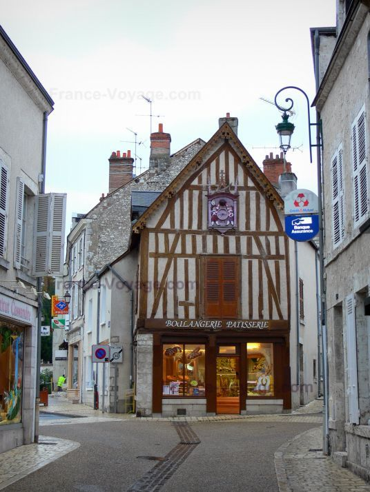meung sur loire shops and houses of the city the happy traveller pinterest shops the o. Black Bedroom Furniture Sets. Home Design Ideas