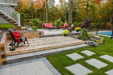 """Terrasse construit en 6"""" par 6"""" de pruche, en marche et dalles de béton. #terrasse #landscape #paysagement #paysagiste #permacon #patio #aménagementpaysager #outdoorspaces #brissonpaysagiste"""