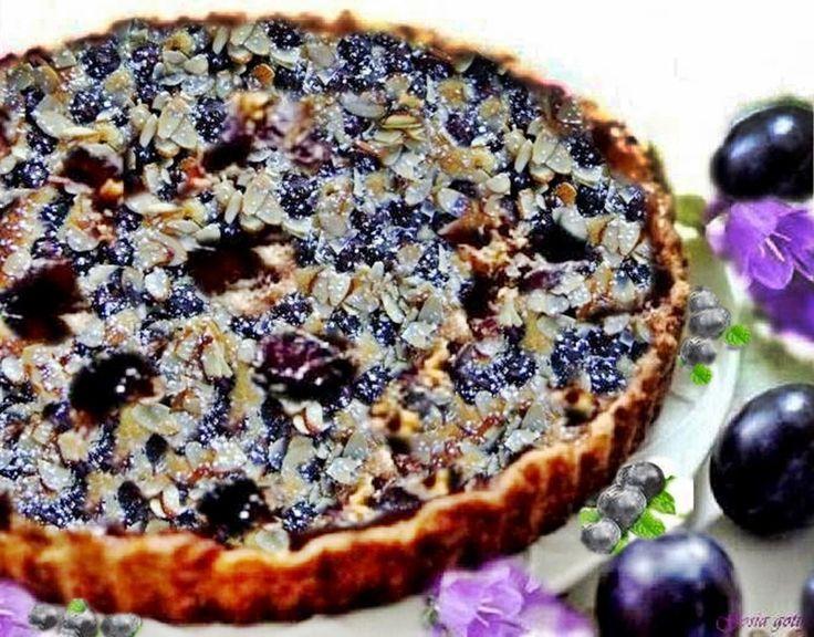 Gosia gotuje: Fioletowa tarta ze śliwkami, borówką