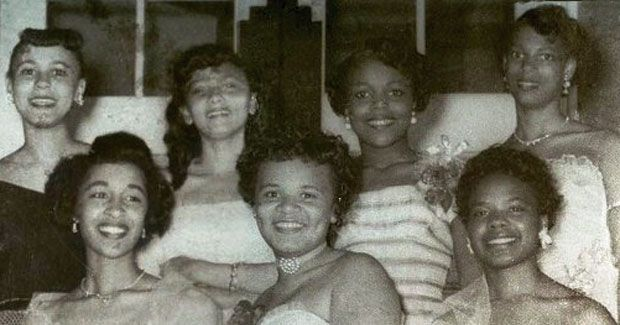 Black hair in the 1950s  - straightened/pressed/relaxed and then curled