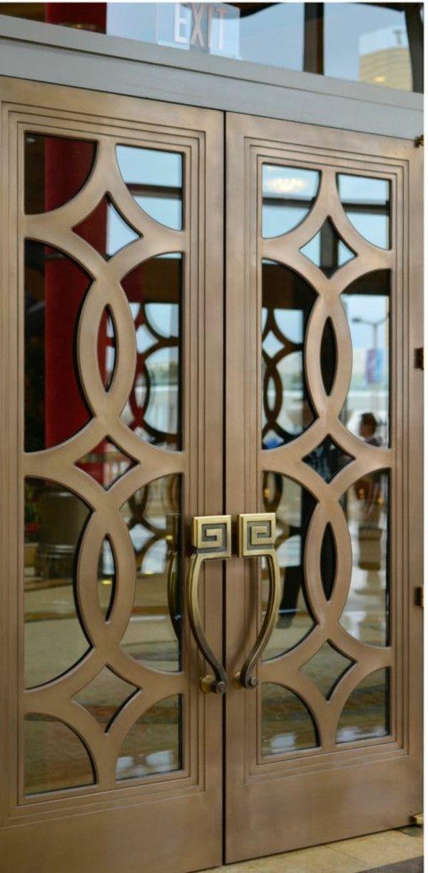 Comment choisir la plus belle porte vitr e porte en fer forg doors door design et for Porte en fer et verre