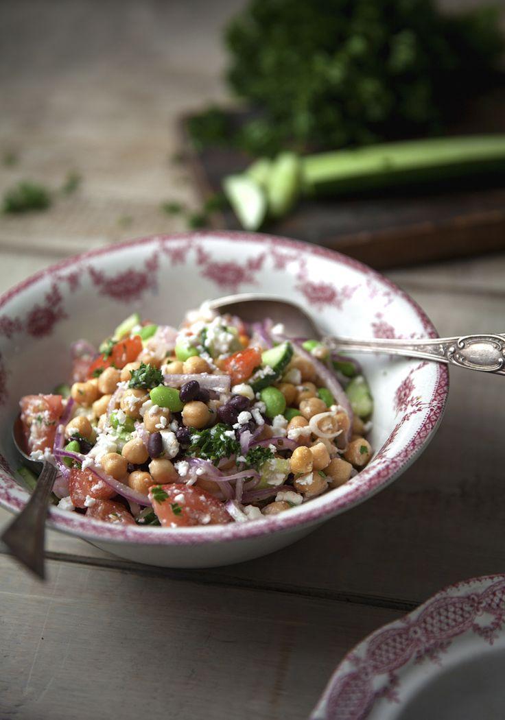 Marilou : Est-ce que je pourrais manger cette salade en guise de repas complet pis être rassasiée? En la créant, je me disais que oui, mais je suis comme pas certaine.