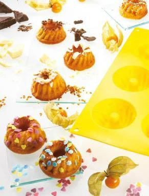 Kleine Kuchen mit Mandeln für die Kaffeetafel