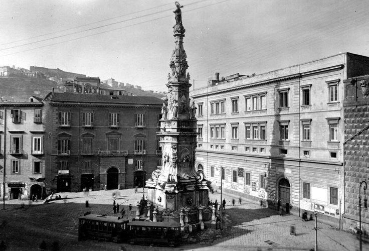 Piazza del Gesu - Napoli - Italia