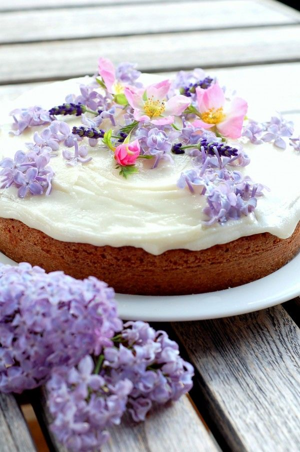 ... edible flowers on Pinterest | Cake central, Cream cake and Tea cakes