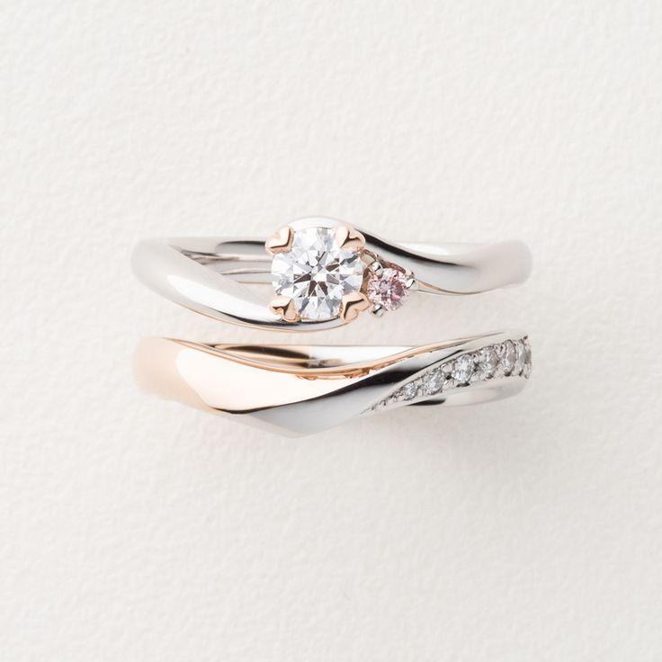 ピンクゴールドとプラチナのコンビネーション。結婚指輪と婚約指輪を重ね着け。[marriage,engagement,wedding,ring,bridal,K18PG,Pt900,diamond,ダイヤモンド,エンゲージリング,婚約指輪マリッジリング,結婚指輪,オーダーメイド,コンビカラー,ウエディング,ith,イズマリッジ]