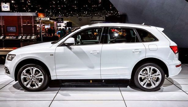 2015 Audi Q5 is a compact SUV vehicle,which is on the road since 2008 year.It is produced in Ingolstadt as an important link of the German manufacturer. http://www.2015newcarsmodels.com/2015-audi-q5-review-price/