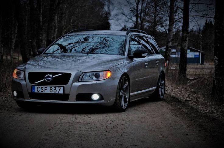 garage | Volvo V70 (2008)