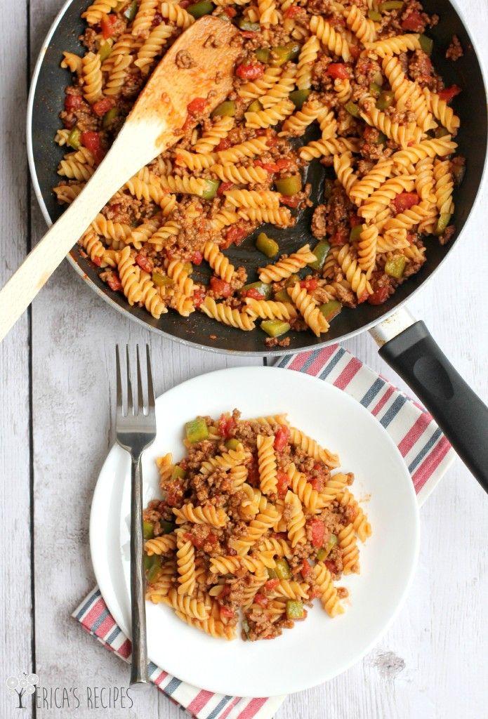 Sloppy Joe Pasta is a great inexpensive week night meal that everyone will love! @ericasrecipes #sloppyjoe #weeknightmeal