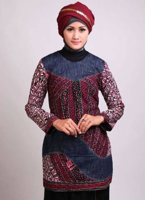 Model Baju Batik Kantor Wanita Berjilbab 4