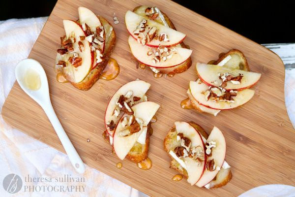 Apple & Brie Bruschetta