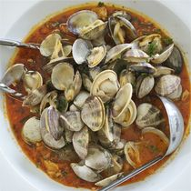 Spicy Steamed Clams