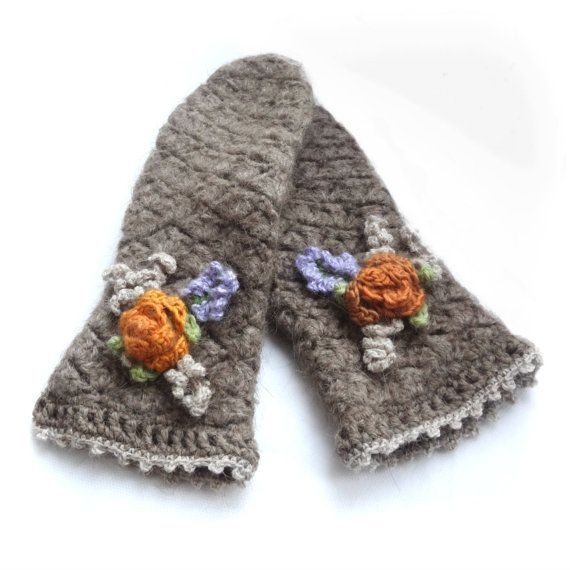 Crochet and Felted Camel Wool Beige Mittens Knit от ArigatouShop