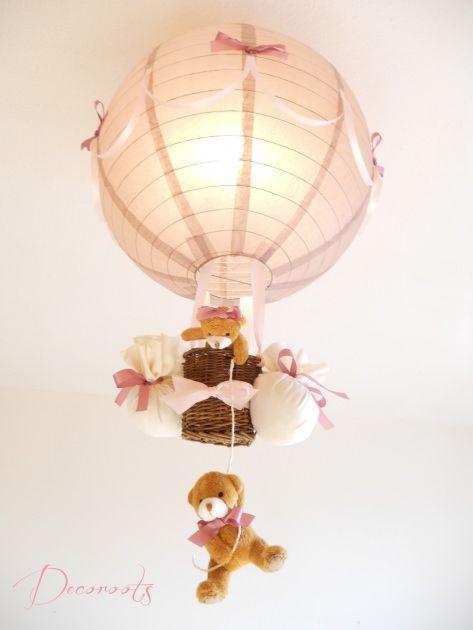 lampe enfant bébé montgolfière ours et oursonne peluche rose pastel taupe vieux rose marron décoration chambre lustre suspension abat-jour allumée