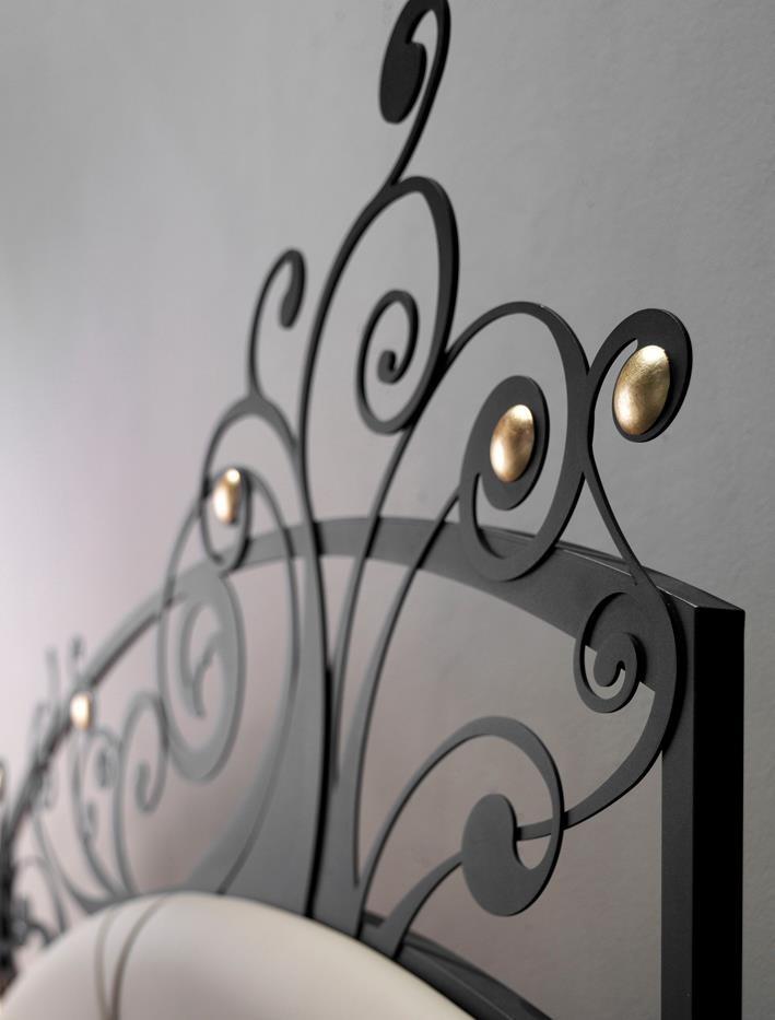 La qualità di un letto in ferro battuto la trovi nei dettagli...