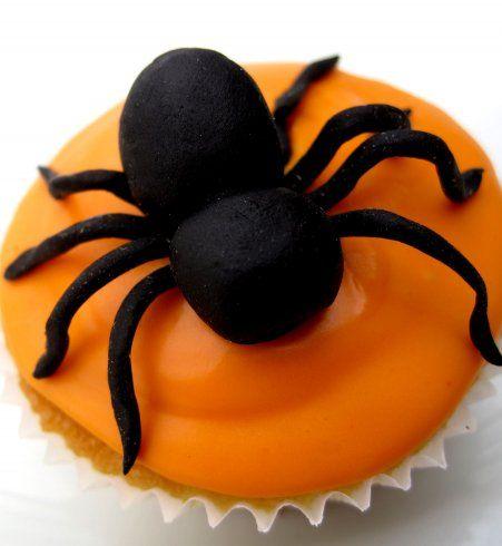 Gâteau d'Halloween : le cupcake araignée