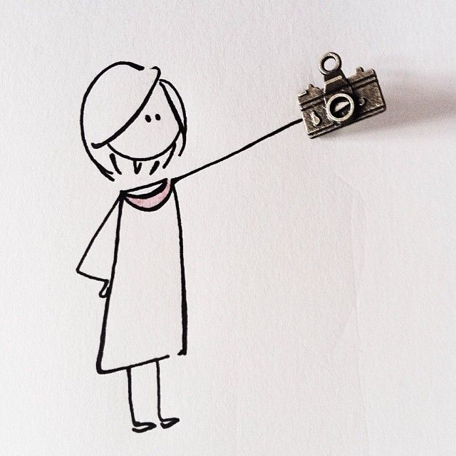 Selfie mania! #virginiasdraws  Il ciondolo è di @fretsycreazioni che con queste piccole meraviglie crea bijou stupendi