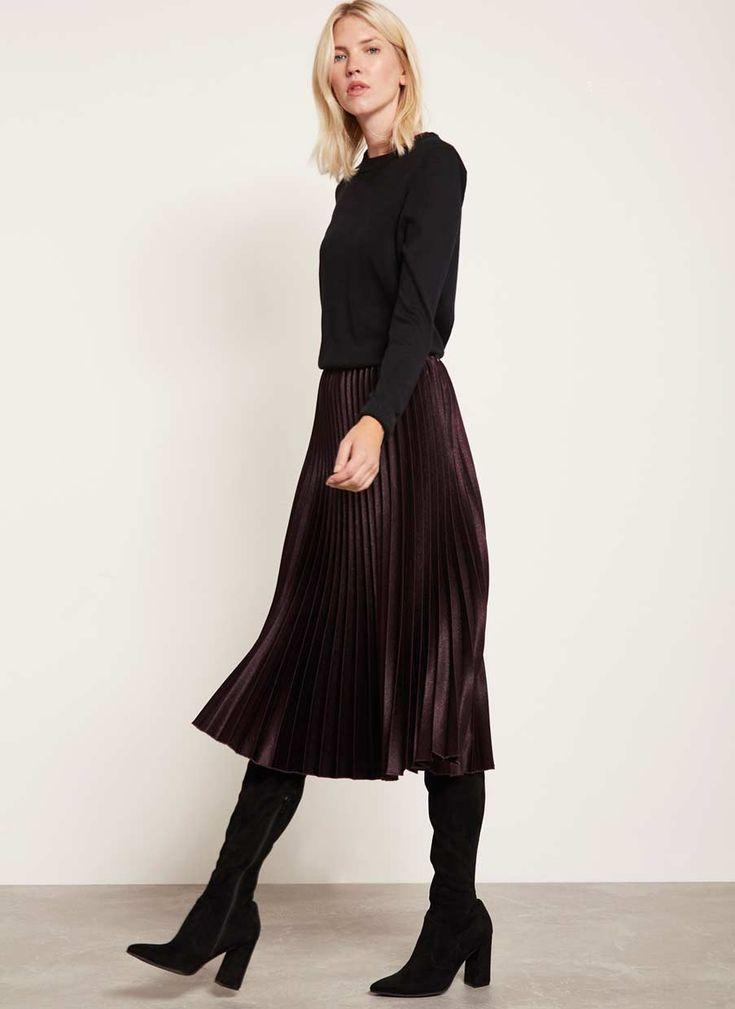 Платье ниже колена с сапогами фото стороны сторону