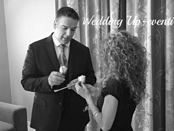 Lo sposo ,ultimi preparativi prima della cerimonia