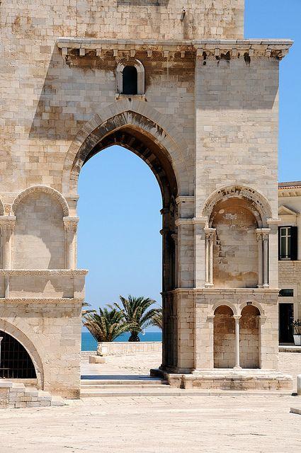 La cattedrale di Trani, Puglia