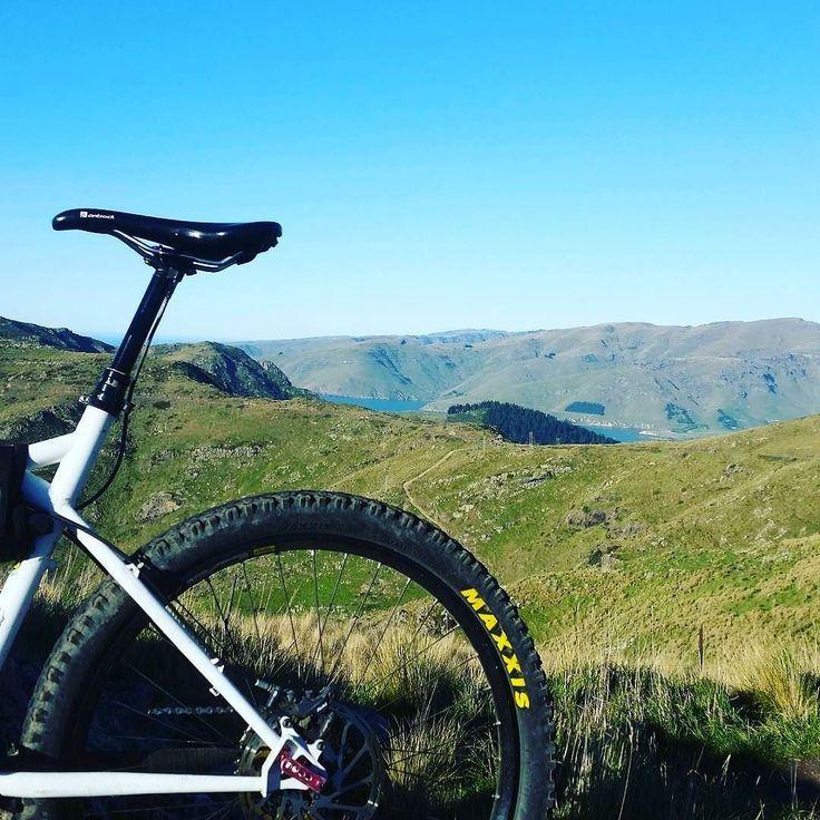 Que pasisagem  Reportando do @al_z.woold  #bike #bikes #cycling #pedal #pedalando #adventure #adventuretime #porai #outdoor #outdoors #brasil #mtbbrasil #mtb #caminho #paz #dia #felicidade #cross #hugocrossmtb #hugocrossadventure #specialized #konabikes #scott #trek #trekbikes #trilha #quedia #gopro