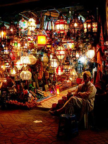 スークで売られるランプ <モロッコ観光・旅行おすすめ見所>