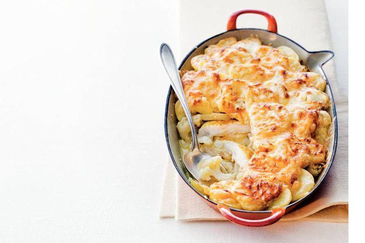 28 juli - Bloemkool in de bonus - Romige ovenschotel met bloemkool, pangasius en kerrie. De perfecte combinatie - Recept - Allerhande