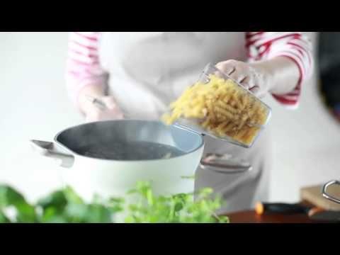 ▶ Pastan keittäminen - YouTube