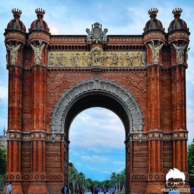 El Arco de Triunfo. Fue la entrada principal a la Exposición Universal de Barcelona celebrada en 1888. #barcelonacitizen #barcelona -  ENG|English attempt... -  The Arch of Triumph. It was the main entrance to the Universal Exhibition of Barcelona held in 1888. #barcelonacitizen #barcelona by barcelonacitizen