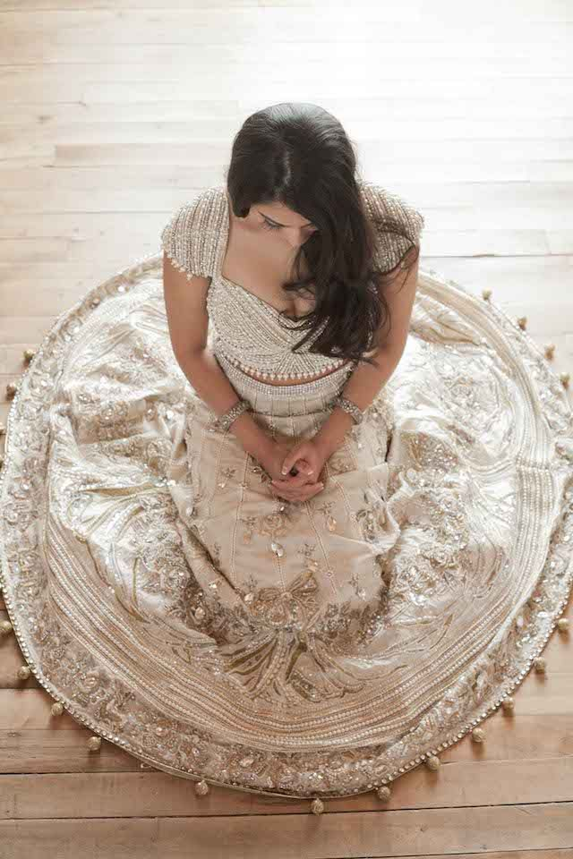Glamorous Indian wedding dress | @BirdsandHoney and Tegan Martin-Drysdale Photography | see more on: http://burnettsboards.com/2014/05/vintage-glam-bollywood-wedding/