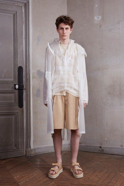 See the complete Off-White Spring 2016 Menswear collection.
