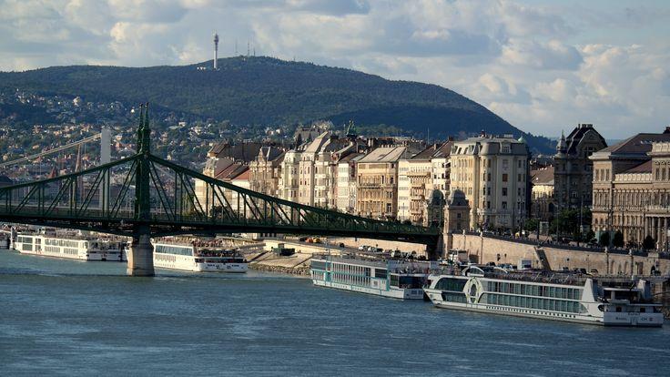 Duna - Szabadság-híd - Pesti oldal